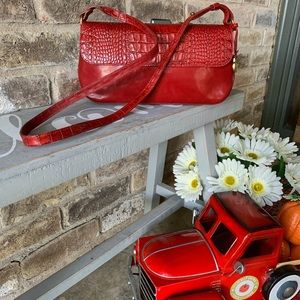 BRAHMIN 🍎 Red Embossed Purse Excellent Condition!